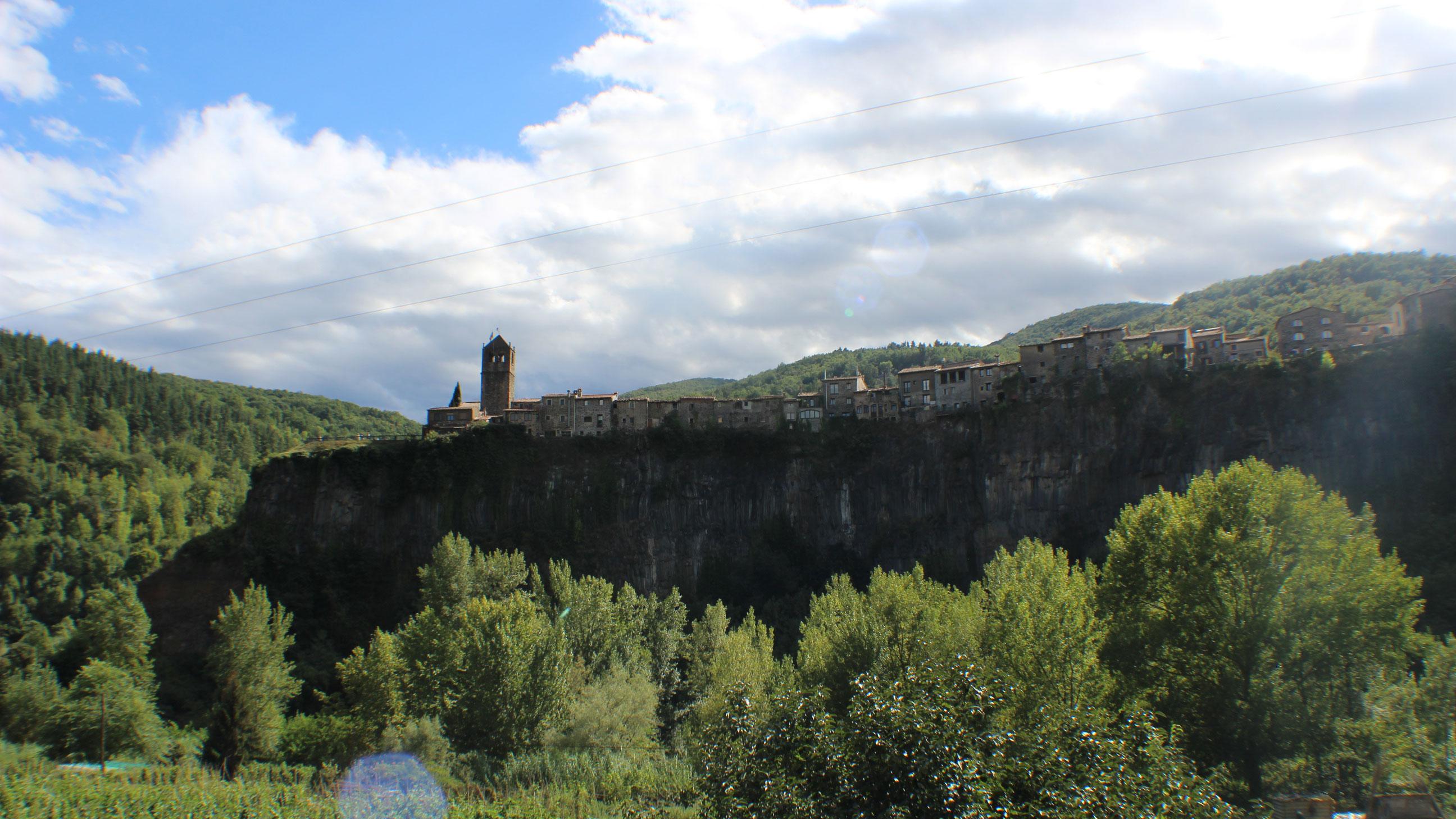 Castellfolit de la Roca