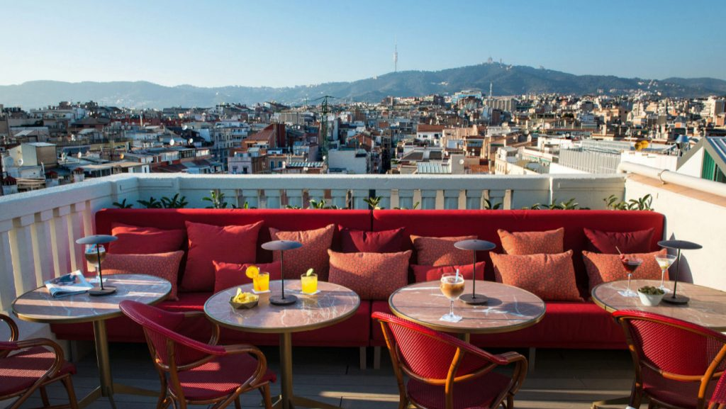 <em>Terrace with stunning views of the city </em>
